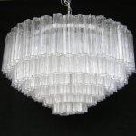 Lampadario in vetro di murano con elementi trasparenti